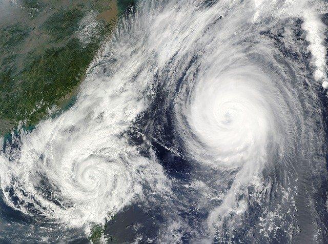 衛星写真-台風